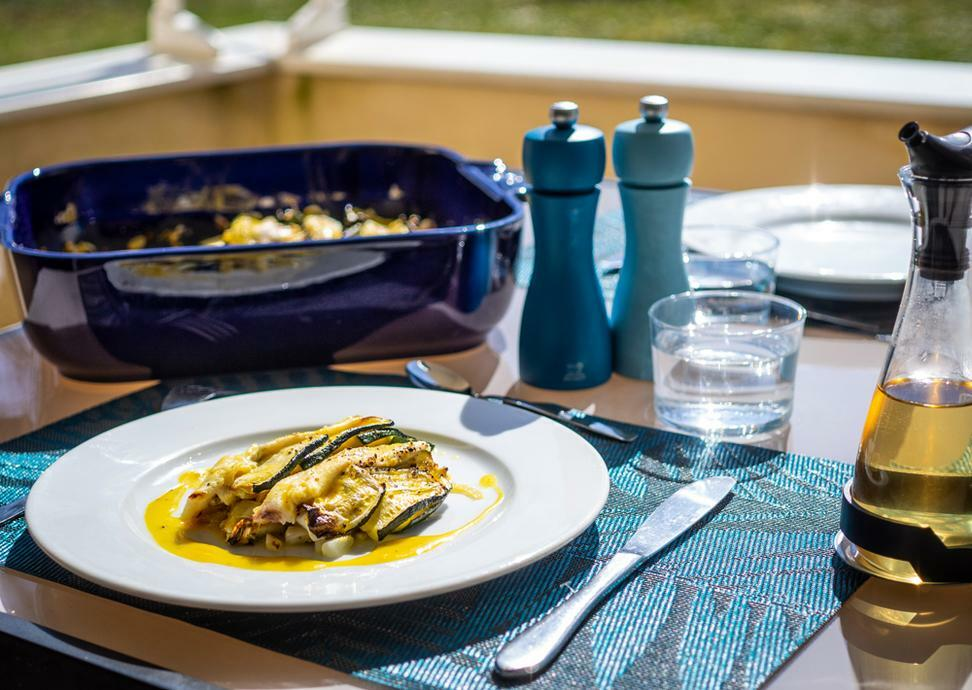 Oven-baked Plaice fillet with summer vegetables - Peugeot Saveurs